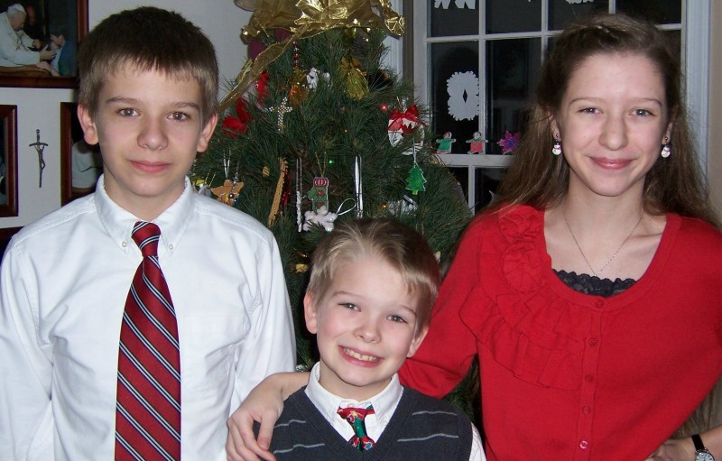 Merry Christmas to all ... Hambone (13), HotRod (10), and Kit (12)