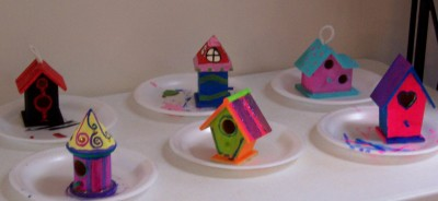 birdhouses drying while the luncheon was served