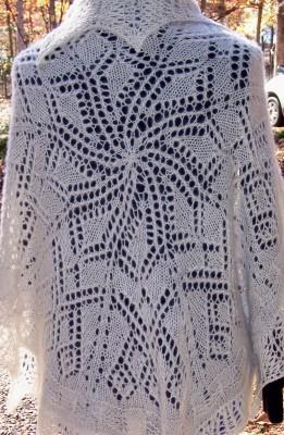 Snowflake Shawl ... a 46-inch circle shawl or lapblanket