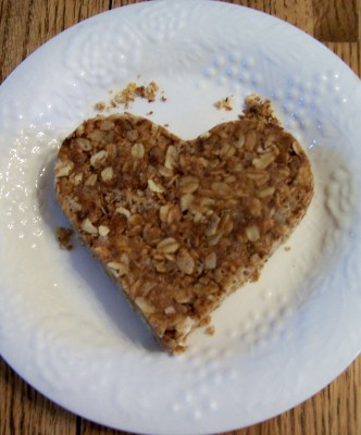 For Valentine's Day:  homemde Clif bar for dh (in lieu of the rice krispy treat heart for the kids)
