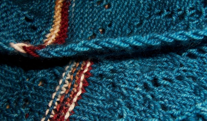 """edge of my """"Spirit of the Southwest"""" shawl ... a nice, clean, chain that needs no other finish"""