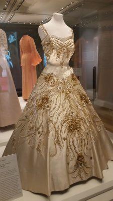 QE2's dress
